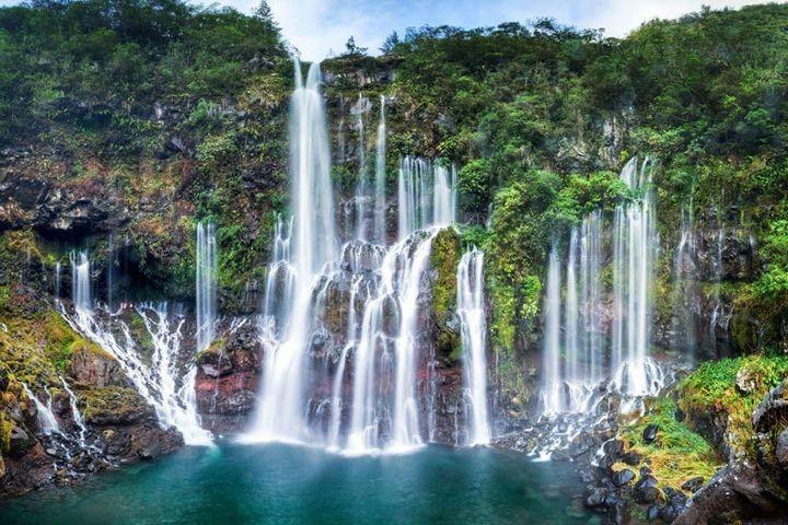 Senegal Dindefelo Falls