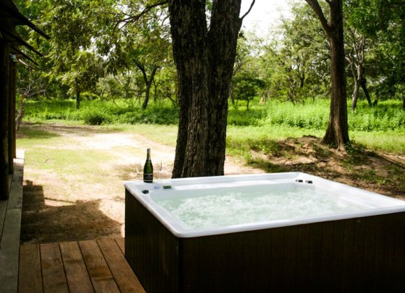Fathala Jacuzzi Deluxe Tented Suites 9795